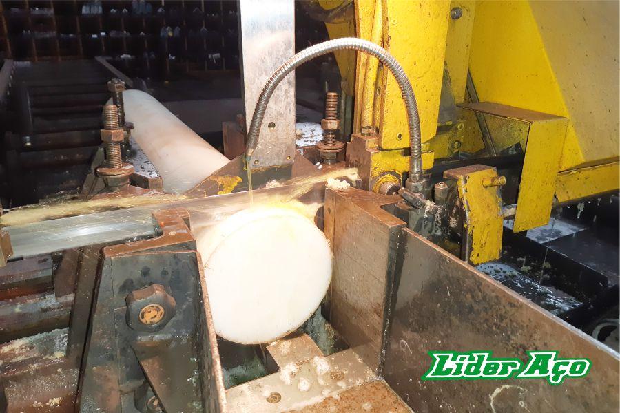Líder Aço Produtos Siderúrgicos Dourados-MS - Serviço de corte serra fita plástico industrial